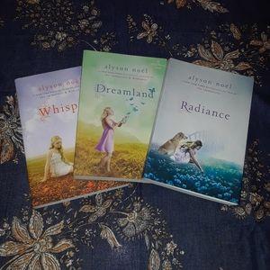 fantasy novel Riley Bloom book set